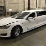 Tesla Model S độ thân dài 3 khoang rao bán giá cực rẻ 1,2 tỷ đồng