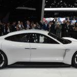Chi tiết siêu xe điện khiến đại gia phát thèm Porsche Mission E