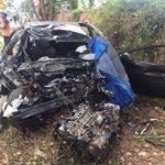 Xe tải đối đầu xe con 2 người chết 3 người bị thương nặng