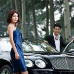 Đi xe xịn mặc đồ rẻ hay đi xe rẻ mặc đồ xịn đáng nể hơn ?