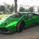 Siêu xe Lamborghini Huracan màu xanh du xuân Sài Gòn