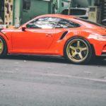 Cường đôla lái siêu xe Porsche 911 GT3 RS độ mâm mới trên phố