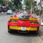Chevrolet Corvette C7 ở Nha Trang độ đỏ vàng lạ mắt
