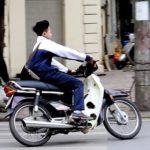 Nhiều teen ra đường không đội mũ bảo hiểm khi tham gia giao thông