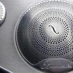 Mercedes C200 thêm loa siêu sang Burmester mà không tăng giá