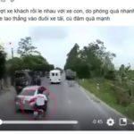 Xe máy vượt xe khách cực nguy hiểm mất lái lao vào đuôi xe tải