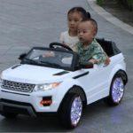 Những chiếc siêu xe mini chính hãng cho các em bé