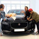 Phương Uyên và Thiều Bảo Trang mua chung Jaguar XF hơn 3 tỷ đồng