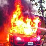Dân mạng tranh cãi xem ảnh là xe nào bị cháy ?