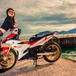 Gái xinh Việt chụp ảnh cùng Exciter 150 ở Nha Trang