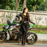 Người mẫu Hà Nội Lê Kim Oanh cực xinh cùng Kawasaki Z1000