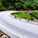 Cách lái xe đường nhiều khúc cua an toàn nhất