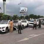 Ảnh chi tiết hiện trường xe Toyota Vios tông 3 xe tiền tỷ ở Hà Nội