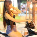Người đẹp chân dài bên Yamaha Exciter