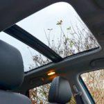 Cửa sổ trời xe sang vào mùa nóng bộc lộ nhiều nhược điểm