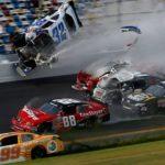 Những pha tai nạn siêu xe đua tan nát kinh hoàng nhất