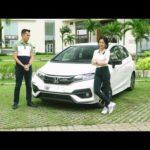 MC Anh Khoa cùng chân dài đánh giá Honda Jazz 2018