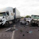 Quảng Nam: Xe đi rước dâu va chạm xe container, 13 người thiệt mạng