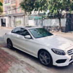 Chị gái Hot girl Vân Navy được em tặng xe Mercedes C300