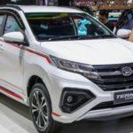 Xe Daihatsu Terios Custom giá 380 triệu nhìn giống Toyota innova