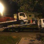 Mẹc bị hỏng lốp gọi xe cứu hộ nhưng cũng bị hỏng lốp gọi xe lớn chở cả 2
