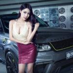 Chân dài ngực khủng bên Range Rover Sport SVR