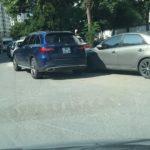 Hà Nội: Nhiều xe đỗ hàng 2 ở đường Trần Đăng Ninh kéo dài