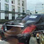Mercedes S400 giá 4 tỷ dán giấy rao bán như xe bình dân trên đường