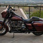 Trả lời về việc xóa ảnh người đẹp bên siêu xe Harley Davidson glide
