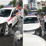 Xe Taxi Toyota Vios sang đường tông vào Mercedes vỡ nát đầu xe