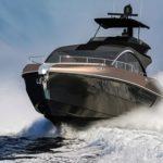 Ngắm xe siêu sang Lexus chạy trên biển cực nhanh