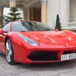 Tuấn Hưng uống rượu say cho vợ xinh đẹp lái siêu xe Ferrari đưa về