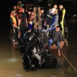 Cô gái trẻ 21 tuổi là người lái Mercedes GLC 300 rơi xuống sông