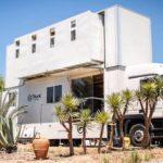 TRUCK SURF HOTEL khách sạn di động tạo từ xe tải Mercedes