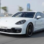 Porsche Panamera GTS 2019 cận cảnh ngoài đời thực