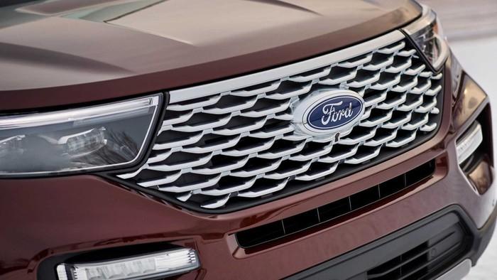 Ford Explorer đời mới cho đại gia