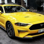 Ford Mustang màu vàng 2019 giá gần 3 tỷ trên phố Hà Nội
