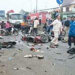 Tai nạn container đâm hàng loạt xe dừng đèn đỏ