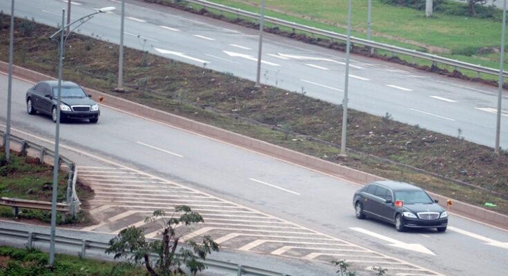 Cặp xe siêu sang anh em Kim jong un