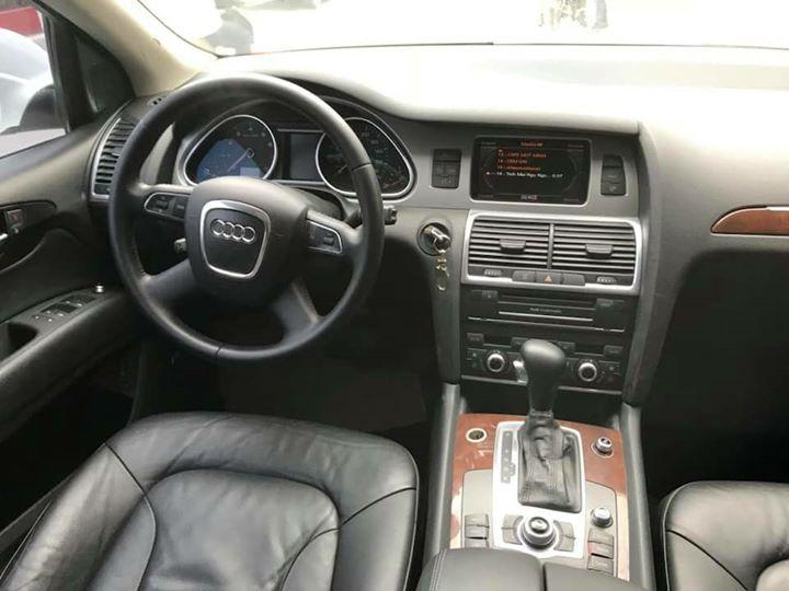 Nội thất xe sang Audi Q7 2010 đẹp