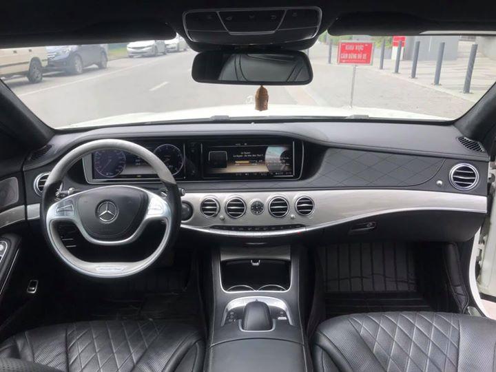 Nội thất xe sang Mercedes đời mới