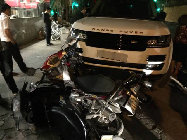 Vận đen xe Range rover tai nạn