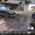"""Hai thanh niên nghịch dại bắn súng cao su vào xe ô tô bị đánh """"no đòn"""""""