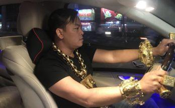 Đại gia Phúc XO mua xe Maybach giả
