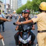 Cảnh sát giao thông đang bị cấm những gì ?