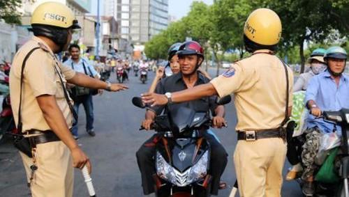 Cảnh sát giao Thông bị cấm