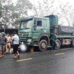 Nam chiến sĩ Công an va chạm xe tải tử vong tại chỗ