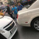 Nữ chủ xe 200 triệu tái mặt khi tông vào đuôi Bentley chục tỷ