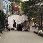 Xôn xao rạp đám cưới chiếm hết lối đi ở Hà Nội