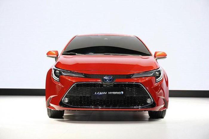 Xế bình dân rẻ đẹp của Toyota Levin 2019